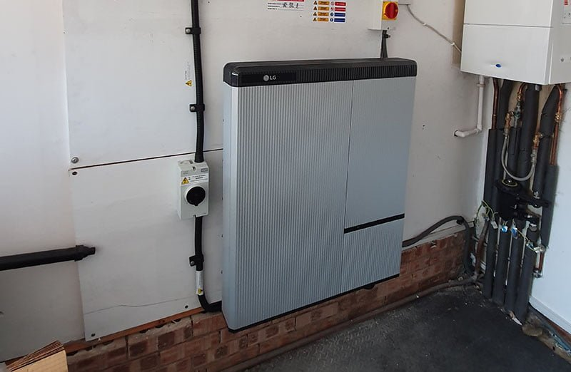 Dickens Grove Solar PV and Battery Storage